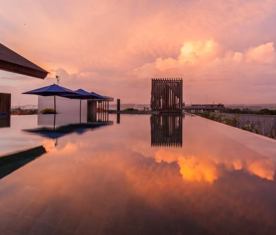 watermark hotel bali roof top pool