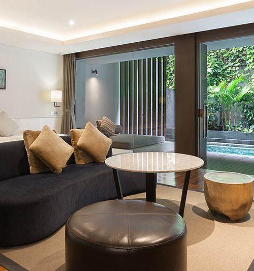 Pool suite room