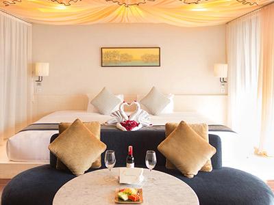 Honeymoon suite package
